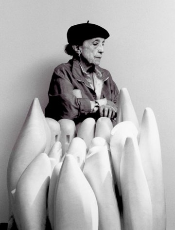 Louise Bourgeois in Canada... : Sculptor of timeless sculpture
