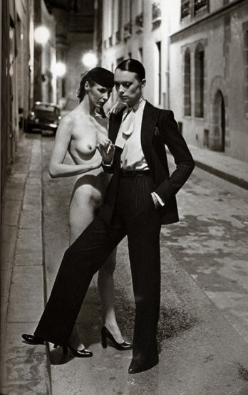 Smoking by Yves Saint Laurent_Helmut Newton.