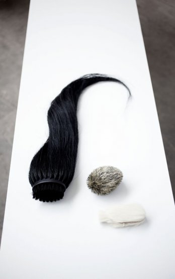 Design Academy Eindhoven09/Lea Haefliger_Hair-Brush_Joost Govers