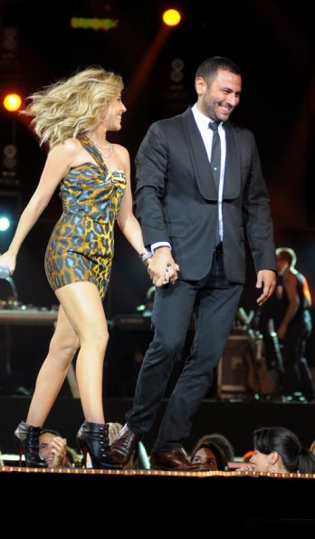 Oi Fashion Rocks Brasil/Wanessa walks on stage with Andre Lima during Andre Lima fashion show as part of Oi Fashion Rocks at the Joquey Club_Fayal-LatinContent-Getty Images