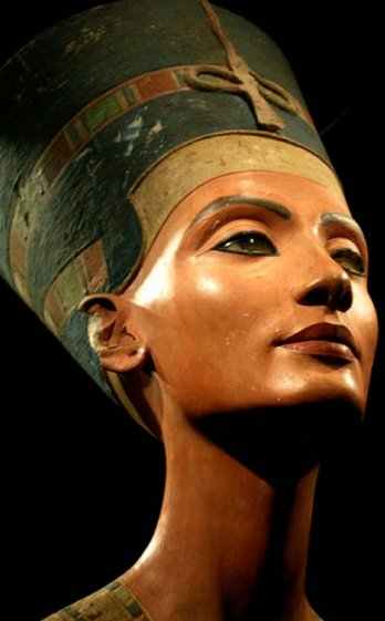 Bust of Nefertiti_Ancient Egypt, 1360 B.C.
