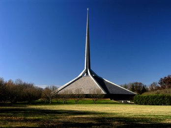 Eero Saarinen_North Christian Church_USA