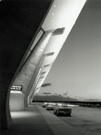 Eero Saarinen_Dulles International Airport Terminal, Circa 1963_Balthazar Korab_Chantilly, Virginia_USA