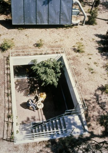 John E. Barnard Jr., architect. Ecology House, Osterville, Massachusetts, 1973. View into courtyard with solar panel.