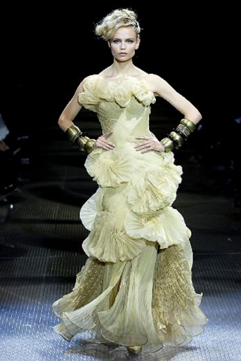 Valentino garavani spring collection 2013 candle wood for List of haute couture designers
