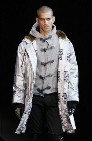 أجمل ملابس رجال 2010  740_g._armani_milano_moda_uomo_