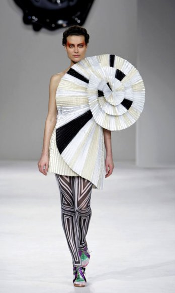Spring 2009 Ready to wear -  Viktor & Rolf.