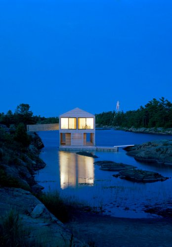 Floating House by MOS_Florian Holzherr