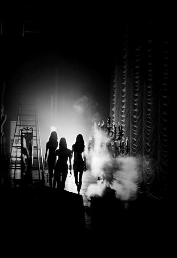 Russel James_Backstage Girls/Russel James_Silhouette