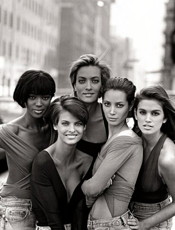 Model as Muse/Peter Lindbergh_Naomi Campbell, Linda Evangelista, Tatjana Patitz, Christy Turlington et Cindy Crawford en Giorgio di Sant'Angelo, Vogue anglais, janvier 1990