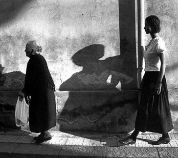 Ferdinando Scianna /Two women, 1987