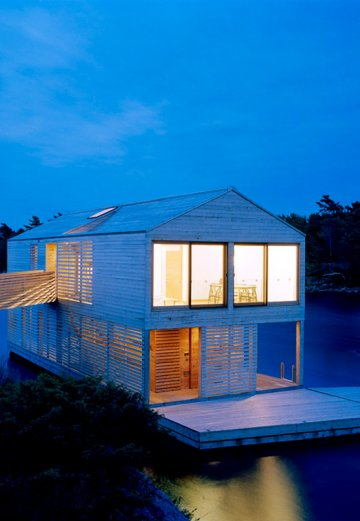 MOS : Floating House